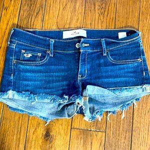 Hollister Jean shorts size 9 W29